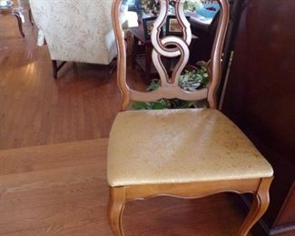 closeup of 6 dining room chairs