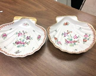 https://www.ebay.com/itm/114631324238	WRY5014B Limoges France Porcelain Shell Trinket Dish (2)		 Buy-it-Now 	 $29.99
