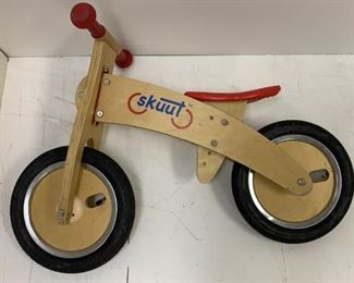 skuut wood balance bike