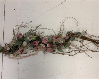 floral wall arrangement