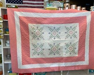 MANY QUILTS handmade clean, no stains, no rips