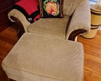 Over Sized Chair w/ottoman