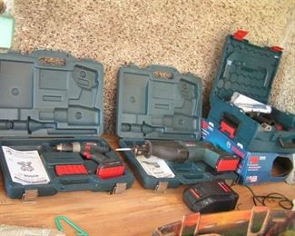 Bosch tool kit with 5 batteries but only one charger