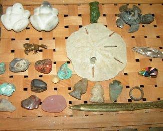 arrowheads, rocks and miniatures