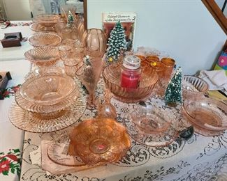 Depression Glass assorted pieces