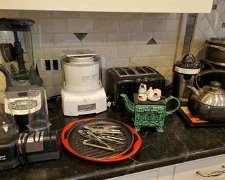 Ninja Blender, Knife Sharpener, Cuisinart Ice Cream Maker, Tea pots