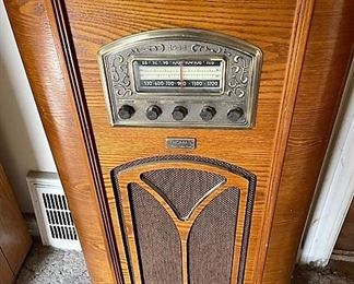 Thomas reproduction 1944 console radio and tape player