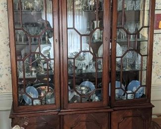 Breakfront/China Cabinet