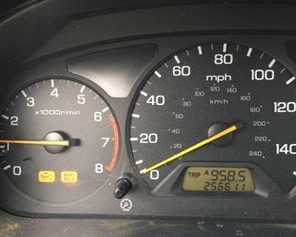 Odometer1998 Honda Accord EX  Mileage 256,000