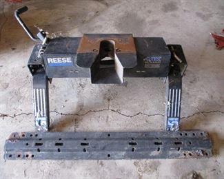 Reese 14 K Fifth Wheel Hitch