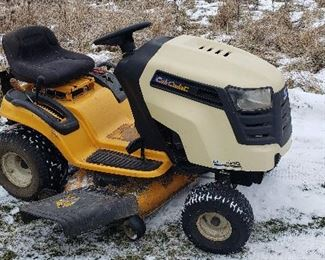 Cub Cadet LTX 1040 Riding Lawnmower