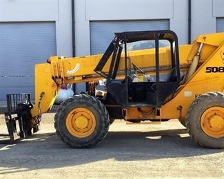 Located in: Ringgold, Georgia Yr 1999 MFG JCB Model 508C Ser# SLP508C0XE0586183 Telehandler *Hydraulic Leak* Hours - 5,448 Motor Spec- MFR - JCB Model - Serial - 951590F Diesel 4' Forks Machine Cap - 8,000 lbs Machine Weight - 25,225 lbs Front Steer, Back Steer, and Crab Walk Runs and Operates