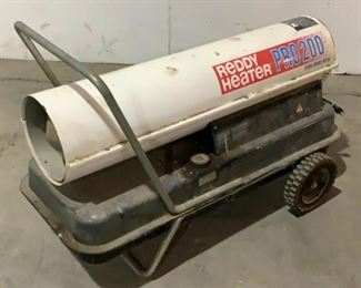 Located in: Chattanooga, TN MFG Reddy Heater Model R200A Power (V-A-W-P) 120V - 60Hz - 3.6A - 1P Kerosene Heater 200,000 BTU 13 Gal 6.2 PSI Kerosene **Sold as is Where is** Unable To Test