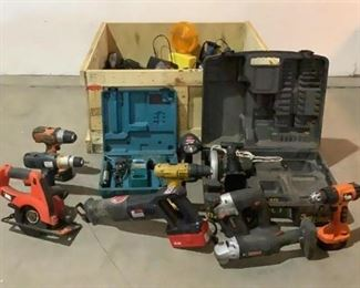 Located in: Chattanooga, TN Assorted Power Tools Lot Includes: Craftsman Drills, Dewalt Drills,Black & Decker Drills, Drill Master Reciprocating Saw, Craftsman Reciprocating Saw, etc **Sold As Is Where Is** Unable To Test