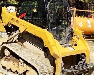 """Located in: Ringgold, Georgia Yr 2019 MFG Caterpillar Model 259D Skid Steer PIN - CAT0259DEFTL24029 Hours - 437 Motor Spec- MFR - Caterpillar Model - C3.3B-CR-T-EF04 3.3L Diesel 15-3/4"""" Wide Tracks Back Up Camera **Sold as is Where is** Runs and Operates"""