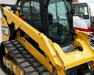 "Located in: Chattanooga, TN Yr 2013 MFG Caterpillar Model 299D2XHP Ser# DX201886 Skid Steer Hours. - 3,355 PIN - CAT0299DVDX201886 Track Width - 17-1/2"" Motor Spec- MFR - Caterpillar Engine ECU Serial - 2HC1472 Machine weight - 11,684 lbs AC/Heat Works *Sold As Is Where Is* Runs and Operates"