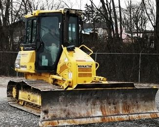 "Located in: Chattanooga, TN Yr 2013 MFG Komatsu Model D31PX-22 Ser# 60926 Dozer PIN - KMT0D111A01060926 Hours - 8,059 Diesel Track Width - 23-1/2"" Blade Spec- 10' Wide Type - 4BA50-A Serial - 60926 **Sold as is Where is** Runs and Operates"