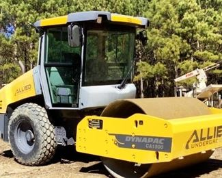 """Located in: Ringgold, Georgia Yr 2015 MFG Dynapac Model CA1500 Roller PIN - 10000160VFA016709 Hours - 652 Motor Spec - MFR - Deutz Model - DT 3.6 L4 Diesel 66"""" Wide Roller **Sold as is Where is** Runs and Operates"""