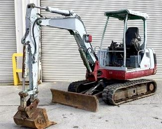 """Located in: Chattanooga, TN Yr 1999 MFG Takeuchi Model TB135 Ser# 3510654 Excavator **Boom Pivot Does NOT work** **Boom has Cylinder Leak** Hours - 3,885 Track Width - 14"""" Machine Mass - 3.3 Tons Engine Power - 20.7 kw Bucket Width - 22""""W Grader Blade Width - 64""""W Motor MFR - Yanmar Engine Model - 3TNE88-ETB Diesel *Sold As Is Where Is* Runs and Operates"""