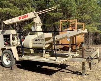 Located in: Ringgold, Georgia MFG FINN Model B70 T-38 Ser# SB-3817 Straw Blower VIN - 1F9BS141X8F135817 Hours - 183 Motor Spec- MFR - Komatsu Type - V1505-EU33 Diesel Power Take-Off Size - 5 Clutch - 6.5S Pintle hitch **Sold as is Where is** Runs and Operates