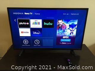 40 Inch Insignia Roku TV And Wall Mount