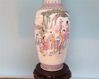 002 Large Chinese Vase