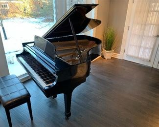 Steinway mode L piano available for cash purchase.