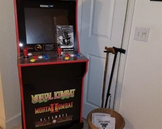 Arcade game beautiful condition.