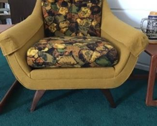 Her's By Prestige furniture excellent original condition