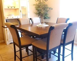 Beautiful pub height table with 6 chairs and extra leaf