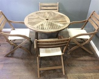 5 PIECE WOOD PATIO SET, TABLE/CHAIRS