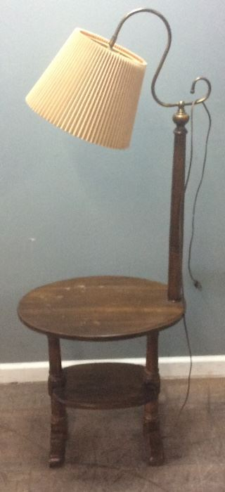 VINTAGE END TABLE AND LAMP