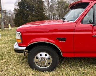 1995 Ford F350 XLT SuperCab 7.3L PowerStroke Turbo Diesel Dually (Mileage 157,926)There is a ding over front tire drivers side. Over all  Very Good  Condition.