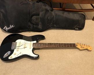 Fender Stratocaster guitar + case