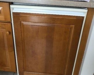 ULine wine / beverage fridge undercounter cabinet depth
