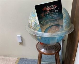"national geographic 16"" globe"