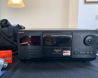 Sony Compact Disc Player CDP-CX200