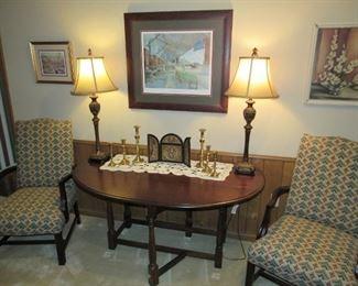 Walnut gateleg table