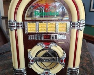 Heineken- Crosley Collector's Edition mini juke box/radio