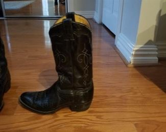 Side view - Justin brand black lizard western boots  ~ Men's size 9