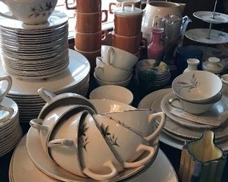 "Great every day dishes. Knowles ""Sunlight 63 pc"""