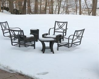 Now defrosted outdoor seating
