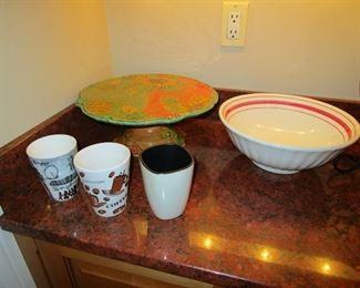cake plate, bowl and mugs