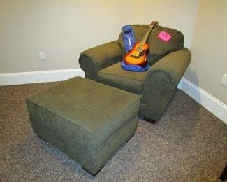 bassett chair with ottoman
