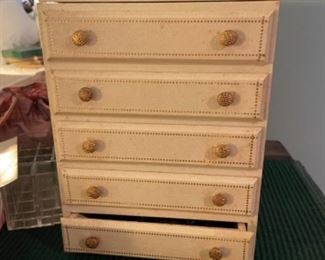 SMALL VINTAGE JEWELRY BOXES