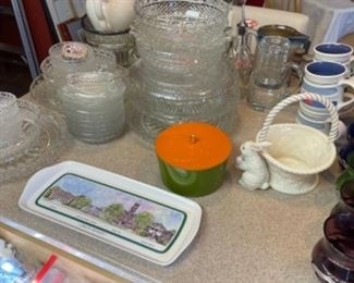 CRYSTAL, GLASSWARE, CHINA, AND POTTERY ITEMS