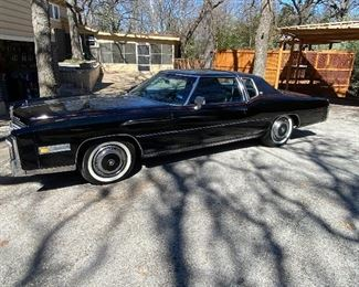 ORIGINAL BLACK EXTERIOR PAINT & MATCHING LEATHER INTERIOR 425 CI CADILLAC V-8/AUTOMATIC TRANSMISSION LOADED WITH FEATURES & OPTIONS INCLUDING A/C, OWNERS MANUAL INCLUDES ORIGINAL WARRANTY BOOKLET. NEW TIRES, NO ACCIDENTS. 9937 MILES ON REBUILT ENGINE 2019. CREAM PUFF! WILL PRE-SELL, 19,500 EMAILS ONLY PLEASE.