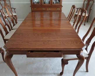 view  of  table- it  has  two  small drawers- one  on  each  side   It  also  has  a  total  of  two  leaves  and  pads.