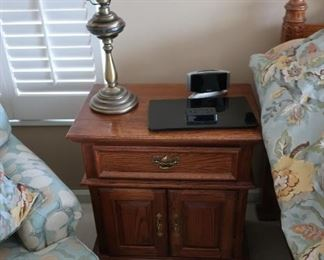 night  stand-part  of  set