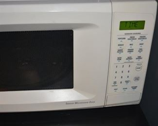 Clean and ready to use microwave